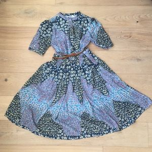 Dresses & Skirts - NWOT Floral dress size small